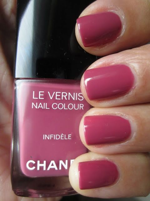 Amazing Chanel Nail Polishes for Spring