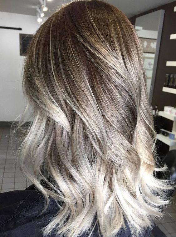 15 Amazing Ash-Blonde Hairstyles - Reviewtif