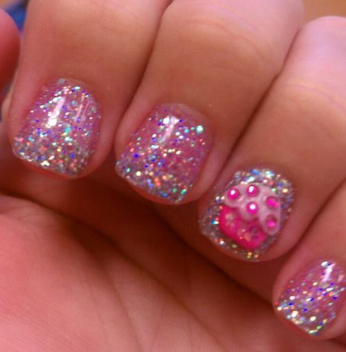 Pink glitter cupcake nails. I want these! | Cupcake nail art .