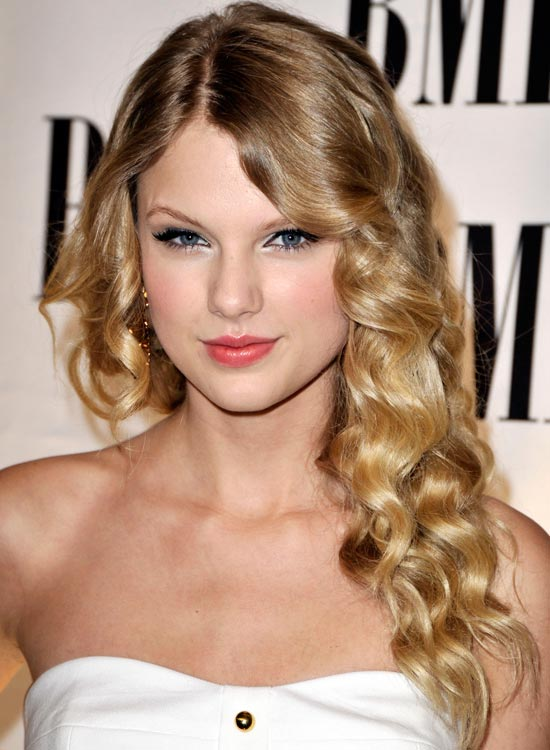 Top 50 Beautiful Wavy Long Hairstyles to Inspire Y