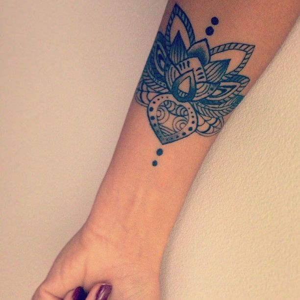 12 Beautiful Lotus Tattoo Designs for Girls (With images .