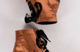Bronze) Best Selling Qupid Patent Chunky Heeled Combat Lace-Up .