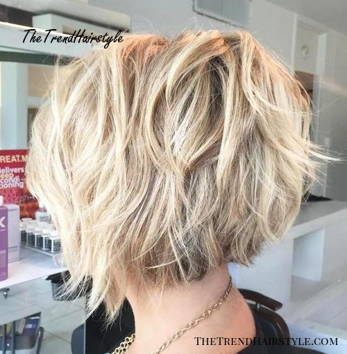 Textured Wavy Mid-Length Cut - 60 Best Bob Hairstyles for 2019 .