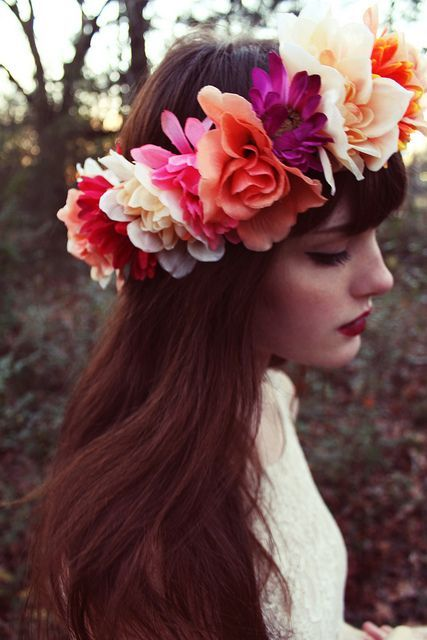 Best Hairstyles with Flower Wreaths for   Fall