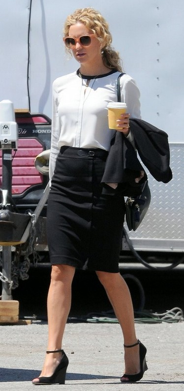 Best Shoes for the Pencil Skirts