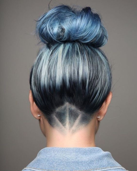 10 Intriguing Blue Hairstyles and Color Ideas 20