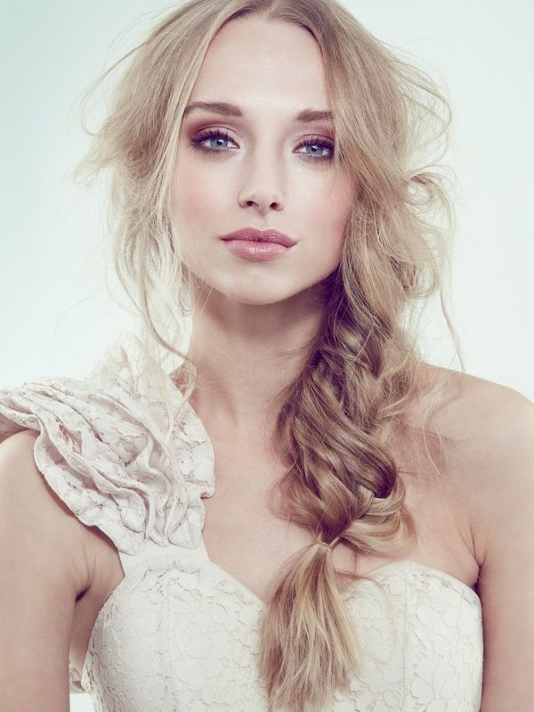 8 Truly Stunning Wedding Makeup Looks to Copy | Bridal hair .