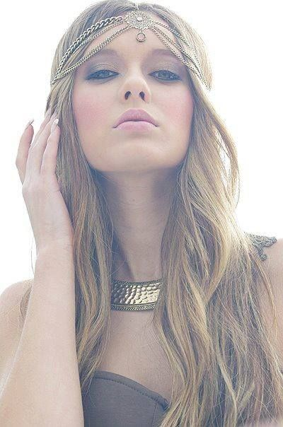 Boho Fashion for Summer: 15 Boho-chic Makeup Ideas and Hairstyles .