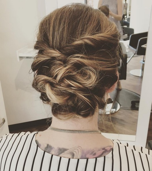 27 Trendy Updos for Medium Length Hair: Updo Hairstyle Ideas for 20
