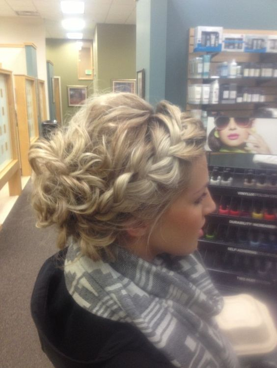 Casual Prom Hairstyles: These can be sexy too! - Pretty Desig