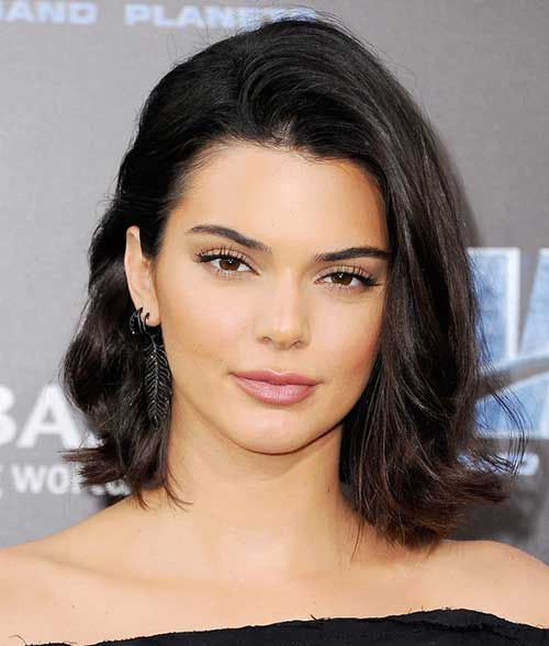 Latest Short Hairstyles and Cuts on Celebriti