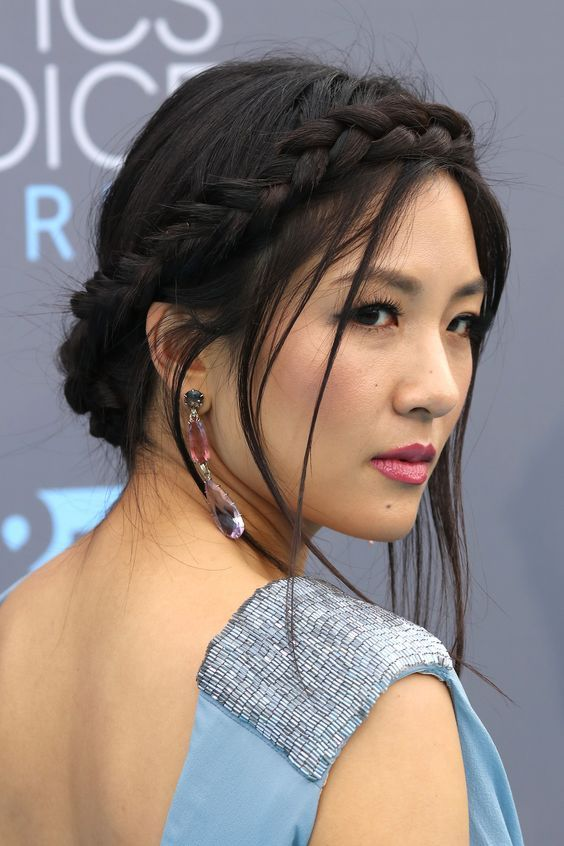 Constance Wu Crown Braid | Wiesn frisur, Frisuren, Tracht fris