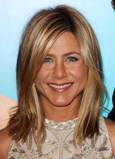 Youthful Hairstyles For Women Over 40 | Jennifer aniston hair .