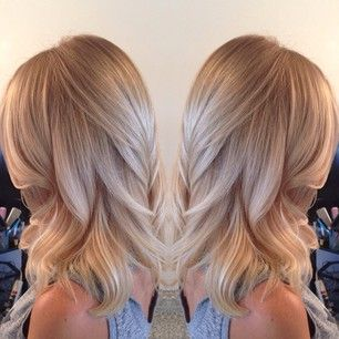 Champagne Blonde Hairstyles for Women