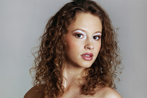 Endeavor Naturally Curly Hairstyles to be Pretty and Charming .