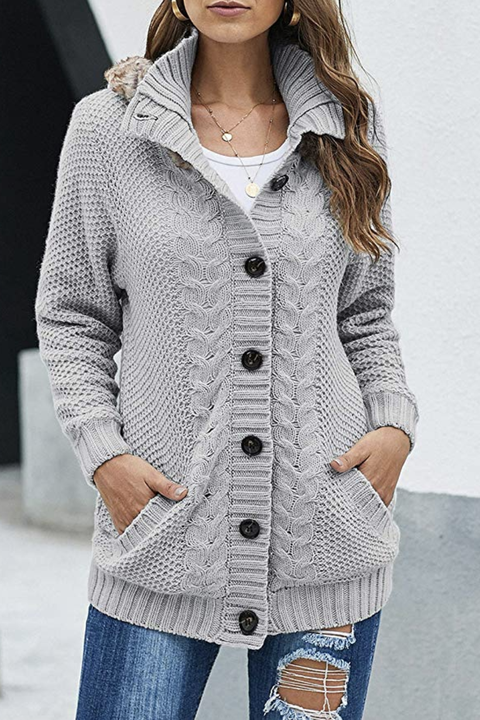 19 Cute Fall Sweaters - Oversized and Chunky Sweaters for Wom