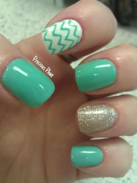 12 Chic Beachy Aqua Manicures For Summer - Nail Art Ideas | Aqua .