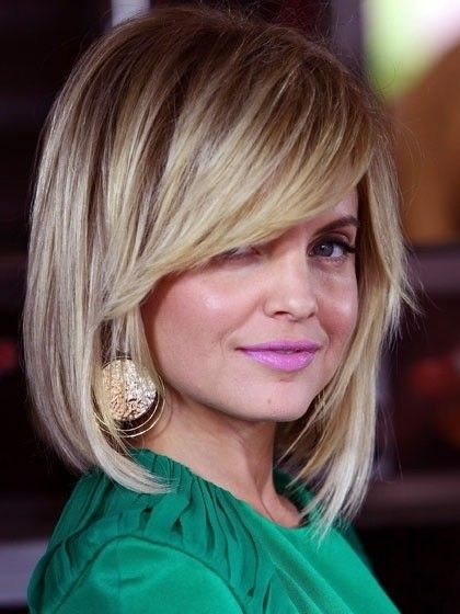 Medium Layered Hairstyles with Side Bangs: Round Face Hair Styles .