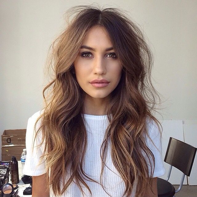 Chic Long Wavy Hairstyles