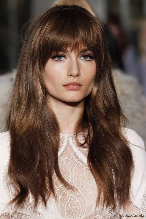 70s-chic: long waves with a fringe | Long face hairstyles, Long .