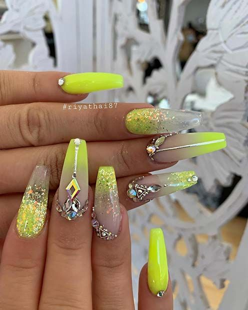 43 Chic Ways to Wear Yellow Acrylic Nails | Yellow nails design .