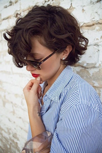 Chic Short Wavy Hairstyles