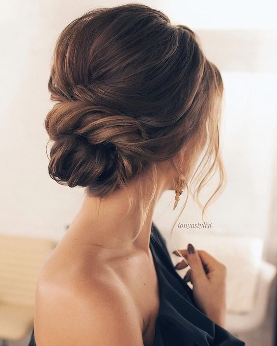 Chic Wedding Hairstyles for Medium Hair