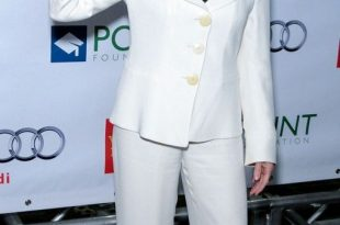 20 Classic and Chic Pantsuits of Different Styles for Any Occasion .