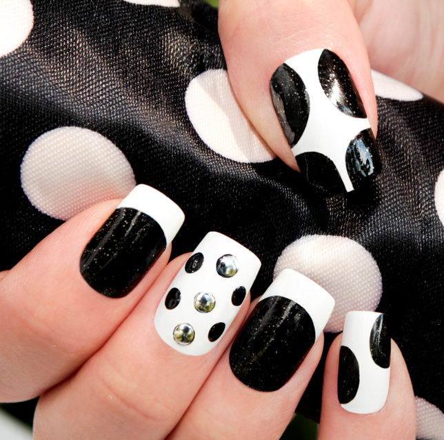 5 Black and White Nail Art Ideas Your Customers Will Lo
