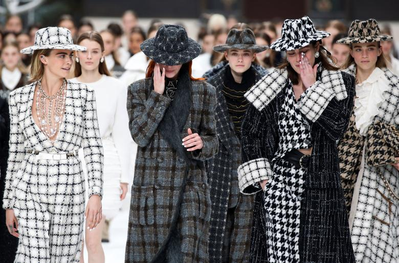 Lagerfeld's last collection for Chanel | Reuters.c