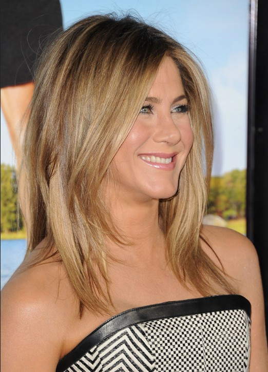 Jennifer Aniston Medium Jagged Hairstyle for Straight Hair .