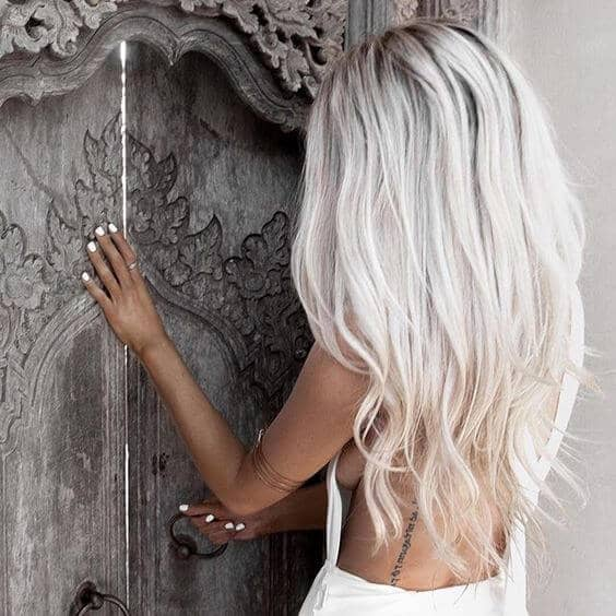 50 Platinum Blonde Hairstyle Ideas for a Glamorous 20