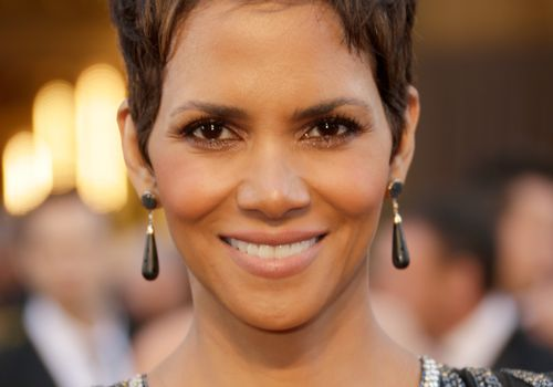 20 Classic and Cool Short Hairstyles for Older Wom
