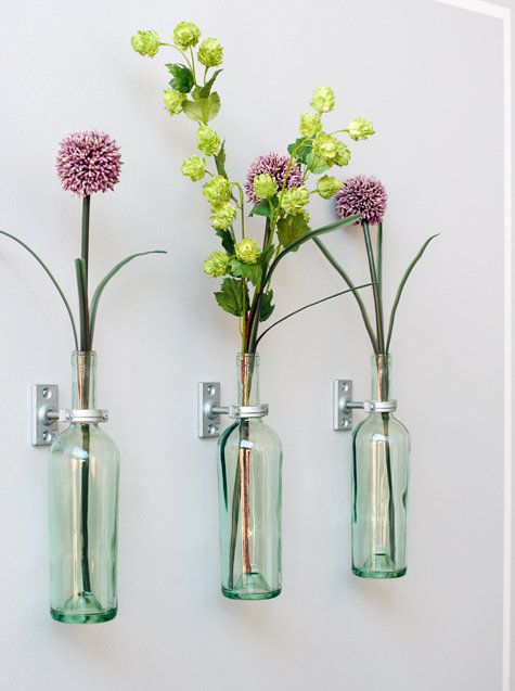 Make Wall-Mounted Vases From Empty Wine Bottles | Cool diy .