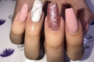 Creative mismatched glitter and marble nail art design ideas #nail .