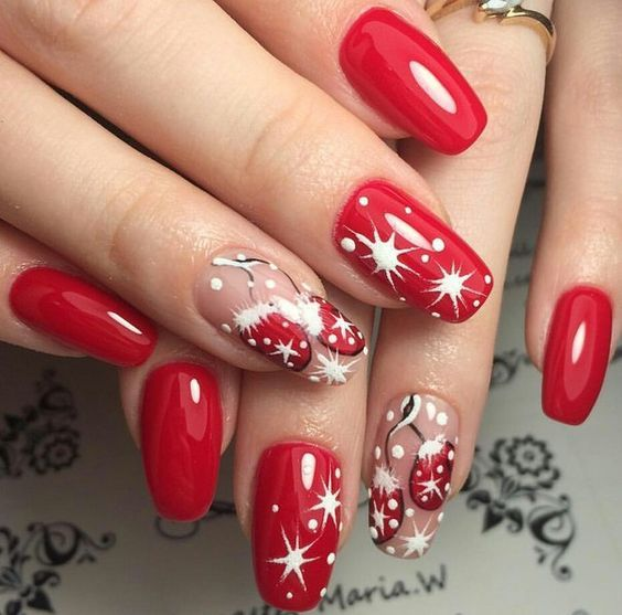 Easy and creative nail designs for Christmas | Red nail art .