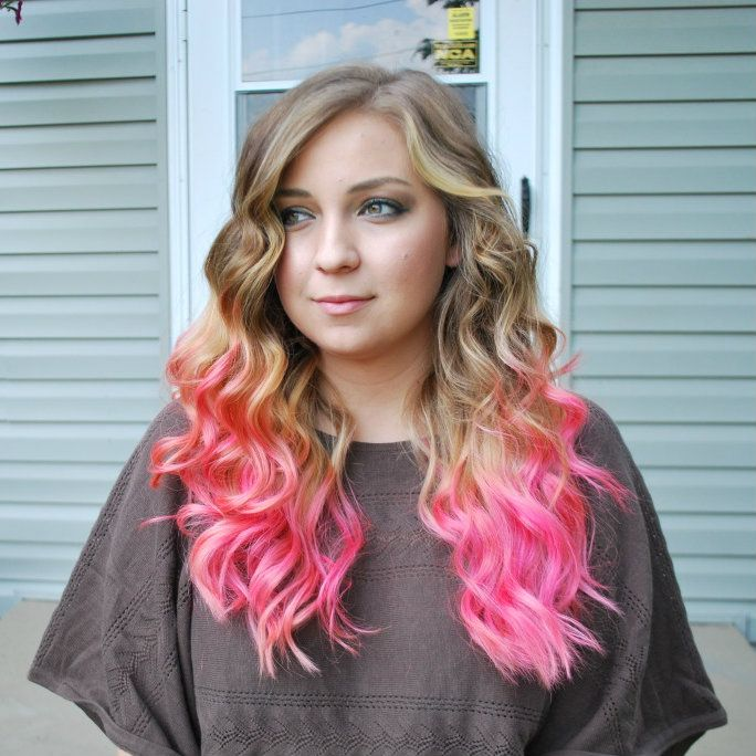 This girl's hair is gorgeous. Reminds me of mine when I had pink .