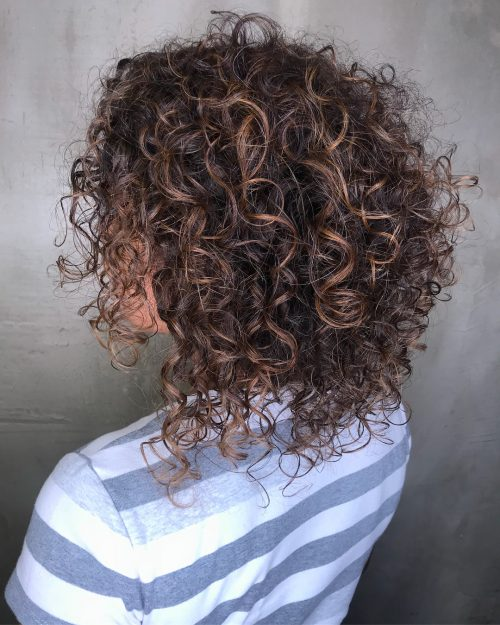 25 Best Shoulder Length Curly Hair Ideas (2020 Hairstyle