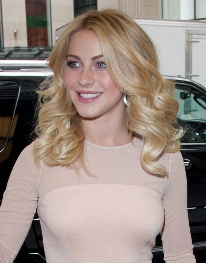 Julianne Hough Waves Curly Hairstyles for Medium Hair - PoPular .