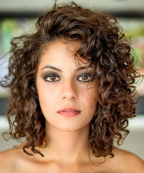 Best Shoulder Length Curly Hairstyles 2018 for Women | Curly hair .