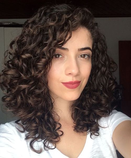 10+ Gorgeous Hairstyles Suelto Ideas (With images) | Medium curly .