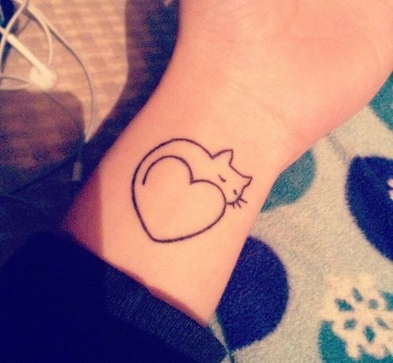 50 Super Cute Tattoo Designs For Girls (With images) | Tattoo .
