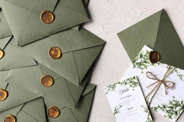 DIY Wedding Invitations - hitched.co.