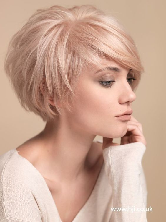 Short Hairstyles for Thin Hair: Women Haircuts /Via Each one of .