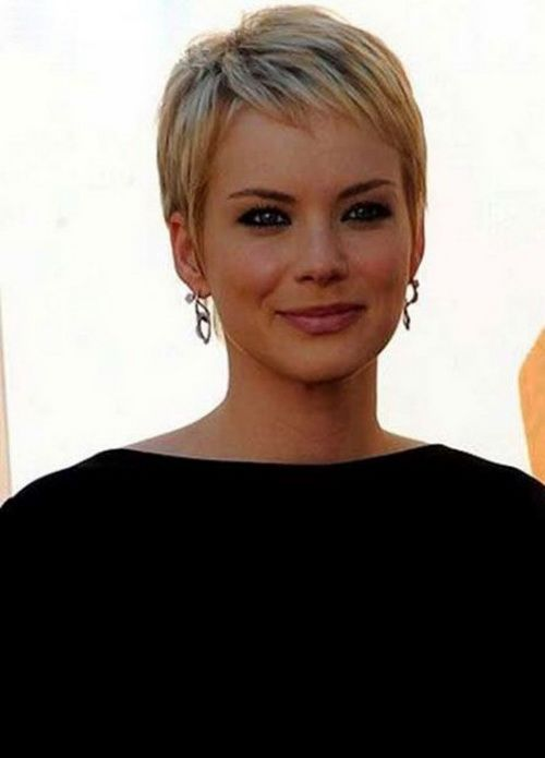 Feminine Short Pixie Hair Cuts for Women