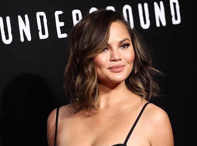 32 Best Haircuts for Medium- and Shoulder-Length Hair - PureW