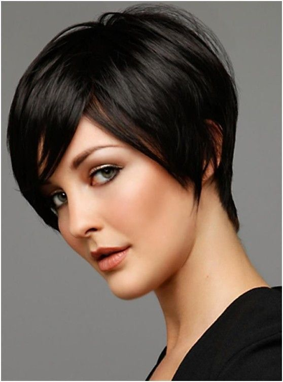 Flattering Short Hairstyles for Office
