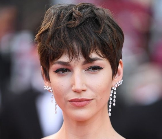 45 Best Short Hairstyles for Round Chubby Faces - Office Sa