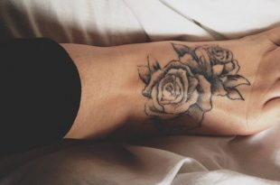 10 Foot Rose Tattoo Designs | Rose tattoo foot, Foot tatto