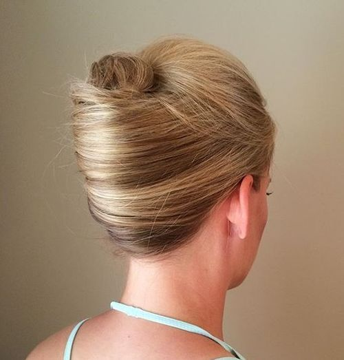 40 Stylish French Twist Updos Hairstyles | Nouvelles coiffures .